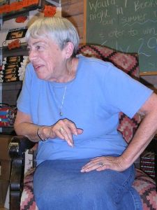 Ursula K. Le Guin Meet-the-author Q&A session; Bookworks bookstore, Albuquerque, NM, USA; July 2004. Photo taken by Hajor, 15.Jul.2004. Released under cc.by.sa and/or GFDL