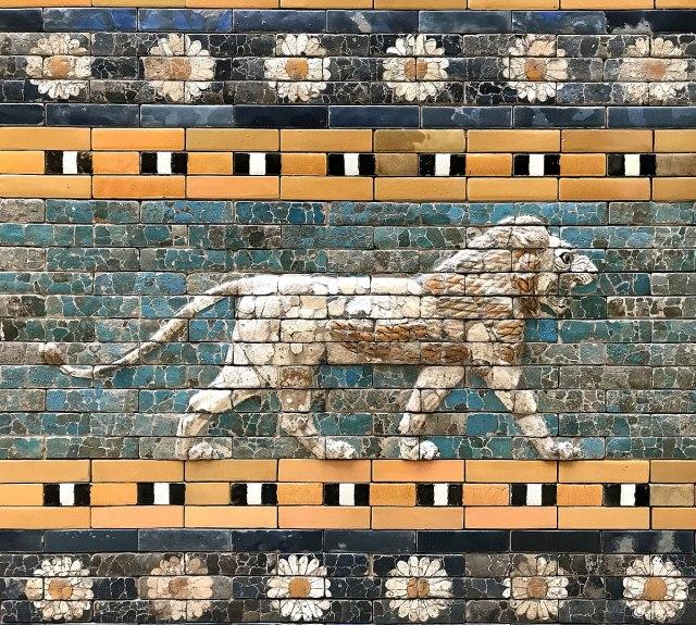 Relief_on_the_Ishtar_Gate_Pergamenmuseum